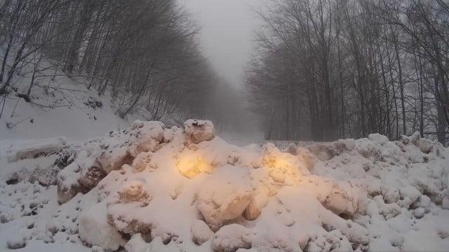 """Photo of През прохода """"Троян-Кърнаре"""" връзката с Южна България е изцяло прекъсната"""