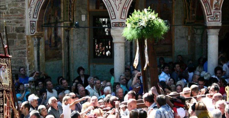 Троянския манастир отново посреща поклонници!