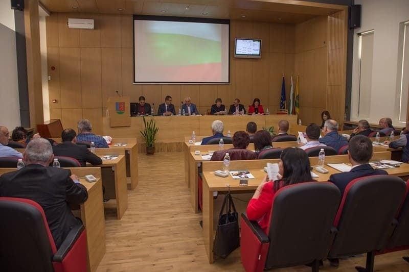 С обща снимка приключиха мандата общинските съветници в Троян