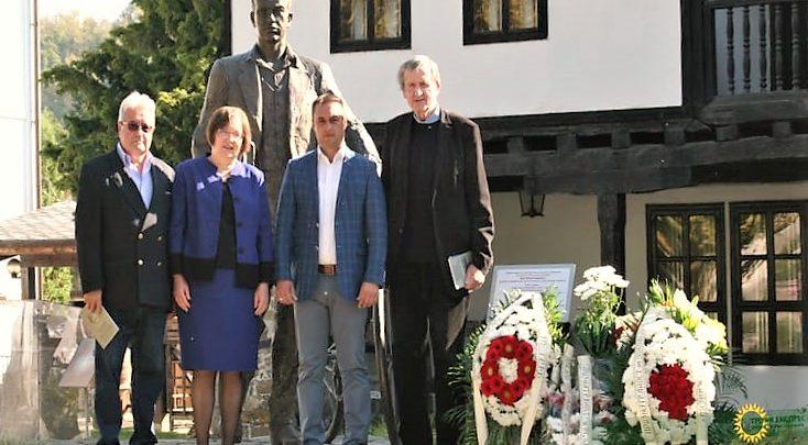 Photo of Иван Хаджийски обединиграждани и  политици в Троян (Видео)