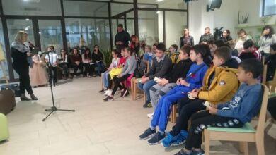 Photo of Троянски деца почетоха незабравимите будители  на Троян