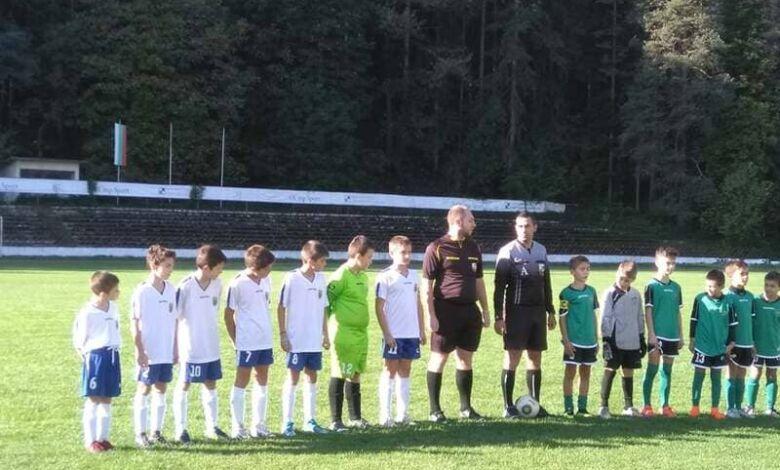 Троянски деца изнесоха лекция как се играе футбол в Тетевен