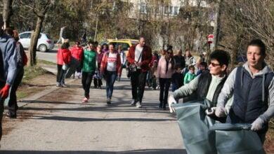 "Photo of Десетки троянци почистиха парк ""Къпинчо"""