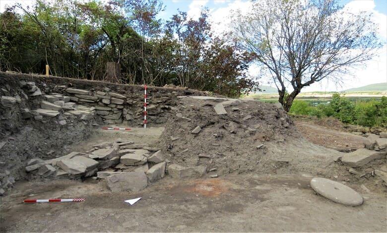 Археолози разгадават тайните на хълма калето при село Дебнево, община Троян - 3